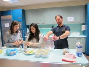 Lekce češtiny pro cizince. Vaření a trénink akuzativu.